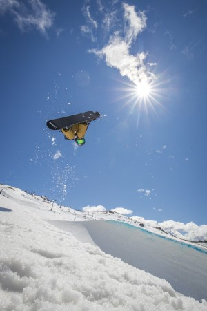 Action packed day of Halfpipe and Boarder-Cross at the Cardrona Snow Sports NZ Freestyle Junior Nationals