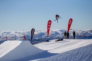 Obsidian: Team Wells Sweeps the Board - Nico Porteous, Margaux Hackett and Carlos Garcia Knight Shine in Big Air